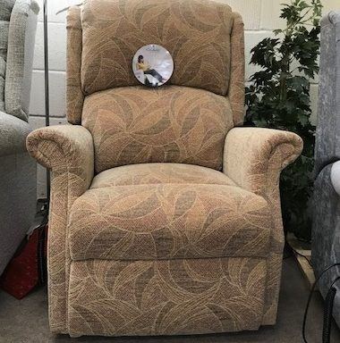 Ex-Display – Regent Low Profile Rise and Recliner Chair